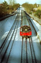 London Underground Northern line train in the snow - Duncan Phillips - 31-01-2003