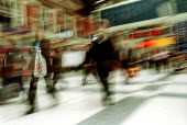 Commuters at Liverpool Street Station London. - Duncan Phillips - 05-06-2003
