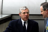 Jack Straw MP HRH departing on eurostar to Paris for the Entente Cordiale Centenary event. London Waterloo - Duncan Phillips - 05-04-2004