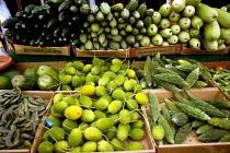 Vegetable Stall, Whitechapel market London. - Duncan Phillips - 24-08-2004