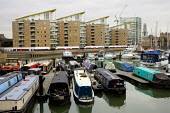 New housing . Limehouse Basin London - Duncan Phillips - ,2000s,2004,AFFLUENCE,AFFLUENT,apartment,block,blocks,boat,boats,Bourgeoisie,cities,city,cityscape,cityscapes,developer,developers,DEVELOPMENT,DOCKLAND,docklands,EBF economy,elite,elitism,EQUALITY,hig
