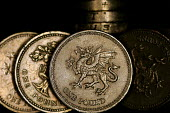 Pound Coins. - Duncan Phillips - 24-11-2004