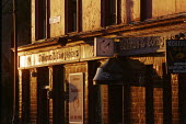 Salmon & Compasses Public House in evening sunlight. London - Duncan Phillips - 20-11-2004