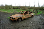 Burned out abandoned car, Barnet, London - Duncan Phillips - 05-01-2005