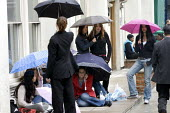 Stranded Students central London due to terriorist attack - Duncan Phillips - 07-07-2005