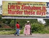 Election poster at the main border between Zimbawe and South Africa in Beitbridge. Thousands flee the country through Beitbridge. A group that describes itself as an underground pro-democracy movement... - Felipe Trueba - 26-11-2007