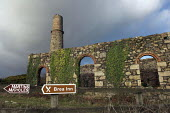 The ruins of South Tincroft Mine compressor House, Brae, Cornwall. The mine closed in 1921 - Geoff Crawford - 20-01-2006