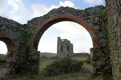 The ruins of South Tincroft Mine Engine House, Brae, Cornwall. The mine closed in 1921 - Geoff Crawford - 20-01-2006