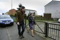 Susan Boyle in Blackburn, Scotland. Being followed by the media. - Gerry McCann - 22-04-2009