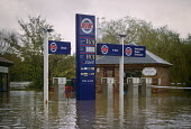 A Rix petrol Station in Stamford Bridge, near York, Yorkshire, UK, is flooded by the river Derwent. - Paul Herrmann - 02-11-2000