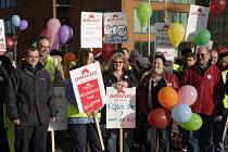 Demonstration on final day of a week-long strike at Fujitsu, Manchester. - Paul Herrmann - 02-02-2007
