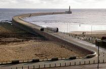 Harbour wall, Sunderland - Paul Herrmann - 2000s,2004,beach,BEACHES,coast,coastal,Coastal Erosion,coasts,costal defences,curve,east,eni environmental issues,eroded,erosion,harbor,harbors,Harbour,harbours,level,lighthouse,lighthouses,north,OCEA