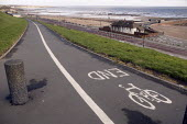 Cycle path along the sea front in Sunderland - Paul Herrmann - 04-03-2004