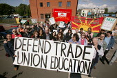 A protest at Mancat College, Manchester, where Trade Union Education courses have been stopped without consultation - Paul Herrmann - 2000s,2004,activist,activists,amicus,CAMPAIGN,campaigner,campaigners,CAMPAIGNING,CAMPAIGNS,College,COLLEGES,consultation,CONSULTING,DEMONSTRATING,demonstration,DEMONSTRATIONS,DISPUTE,DISPUTES,Educatio