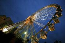 Big wheel in Manchester, UK; the world's largest transportable observation wheel - Paul Herrmann - 18-12-2004
