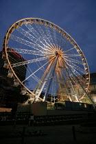 Big wheel in Manchester, UK, the world's largest transportable observation wheel, opposite Arndale Shopping Centre - Paul Herrmann - 18-12-2004