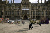 A derelict and an improved urban space recreated outside Manchester Town Hall during the Challenge Manchester campaign to clean up poor areas of the city - Paul Herrmann - 15-02-2005