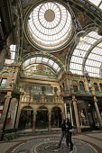 Victoria Quarter shopping arcade in Leeds, Yorkshire - Paul Herrmann - 12-04-2005