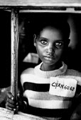 Unaccompanied Rwandan refugee children in care of UNICEF and SCF having survived a massacre by rebels in Zaire-Congo. 1997 - Howard Davies - 05-08-1997