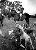 Animal rights protest at fox hut meeting, Sussex, UK. 1997 - Howard Davies - 01-08-1997