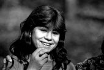 Roma children in their village near Tusla, Bosnia. 1996 - Howard Davies - 01-07-1996