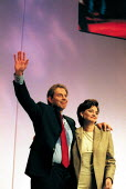 Tony Blair MP and Cherie Blair at the end of his leaders speech Labour Party Conference 2000. - John Harris - 2000,2000s,Blair,Conference,conferences,Party,POL politics,speech