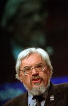 Paul Mackney NATFHE addressing TUC conference - John Harris - 10-09-2001