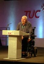 Nigel Pimm Unison addressing TUC conference - John Harris - 10-09-2001