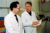 MSF Trades Union organiser talking with chemical engineer MSF member Rhodia Chemicals Oldbury - John Harris - 23-09-2002