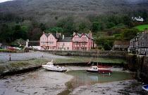 Hotel, Porlock Weir, Exmoor national park Dorset. - John Harris - 10-03-2003