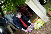 Hilary Benn MP laying wreath onthe grave of James Hammett TUC Tolpuddle Martyrs Festival 2004 - John Harris - 18-07-2004