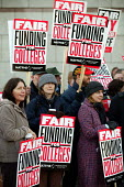 Members of NATFHE demonstrate outside a Birmingham conference being attended by Education Secretary Ruth Kelly during a one day strike to protest over pay and funding. - John Harris - 17-11-2005