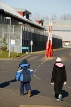 Relatives visiting Harmondsworth Immigration Removal Centre - John Harris - ,2000s,2006,Asylum Seeker,Asylum Seeker,BME Black minority ethnic,center,centre,child,CHILDHOOD,children,cities,city,CLJ,deportation,deportations,deporting,detained,detainee,detainees,detention,Diaspo