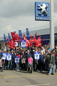 Peugeot workers protesting at the closure of the Ryton plant at a car dealers in Coventry. - John Harris - 2000s,2006,activist,activists,amicus,auto industry,Automotive,CAMPAIGN,campaigner,campaigners,CAMPAIGNING,CAMPAIGNS,capitalism,capitalist,Car Industry,carindustry,CLOSED,closing,closure,closures,deale