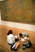 Tourists visiting the Tate Modern, family drawing and painting from Monet oil painting. - John Harris - 11-08-2000