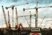 Construction site GCHQ Cheltenham. - John Harris - 20-11-2000