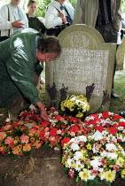 Wreaths layed on the grave of Martyr James Hammett Tolpuddle Martyrs Festival Dorset. - John Harris - 15-07-2001