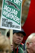 Protest by Jaguar workers at the decision by Ford to close Brown's Lane, Coventry. - John Harris - 27-11-2004