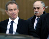David Hill Prime Minister's Director of Communications leaving talks with the TGWU and Amicus with Tony Blair as MG Rover Group Birmingham goes into receivership. - John Harris - 08-04-2005