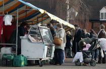 Customers at the Farmer's market, Stratford on Avon, Warwickshire. - John Harris - 04-03-2006