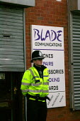 Police outside the Blade cybercafe Sparkhill after raids to foil an alledged terrorist plot. Birmingham. - John Harris - 31-01-2007