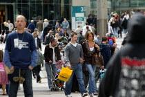 Shoppers in the busy city centre, Birmingham - John Harris - 13-05-2007