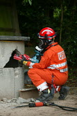 USAR training at Bromsgrove Fire Station - John Harris - 13-06-2007