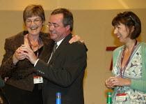 Ed Sweeney UNIFI receiving gold badge from Alison Shepherd, TUC Conference 2007 - John Harris - 12-09-2007