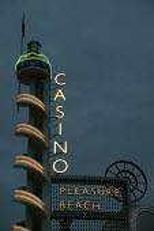 Casino tower Pleasure Beach Blackpool by Joseph Emberton - John Harris - 02-10-2007