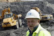 UK Coal opencast mine, Cutacre, Bolton. - John Harris - 2000s,2008,boss,bosses,capitalism,capitalist,cast,coal,coalfield,digger,diggers,EBF,EBF economy,Economic,Economy,engineer,engineers,excavating,excavator,excavators,foreman,foremen,hard hat,hats,Indust