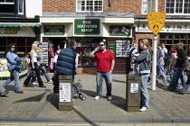 Tourists, Stratford upon Avon - John Harris - 22-04-2008