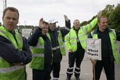 Tanker drivers from Hoyer UK, who subcontract to Shell, on strike in a pay dispute. Kingsbury oil depot, North Warwickshire. - John Harris - 2000s,2008,dispute,DISPUTES,DRIVER,driver drivers,drivers,DRIVING,INDUSTRIAL DISPUTE,Kingsbury,man men,member,member members,members,oil,oil industry,people,picket,picket line,picketing,picketing pick
