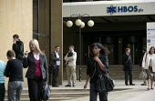 Workers leaving HBOS, Halifax. - John Harris - 2000s,2008,bank,bank of scotland,bank worker,bank workers,banking,banks,bankworker,bankworkers,building,BUILDINGS,capitalism,capitalist,Credit Crunch,DOWNTURN,EBF Economy buisness finance,FEMALE,HBOS,
