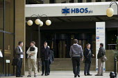 Workers leaving HBOS, Halifax. - John Harris - 2000s,2008,bank,bank of scotland,bank worker,bank workers,banking,banks,bankworker,bankworkers,building,BUILDINGS,capitalism,capitalist,Credit Crunch,DOWNTURN,EBF Economy buisness finance,HBOS,Industr